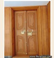 أبواب خشبية